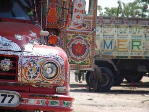 Truck Art | Foto von amir taj | via Wikimedia Commons